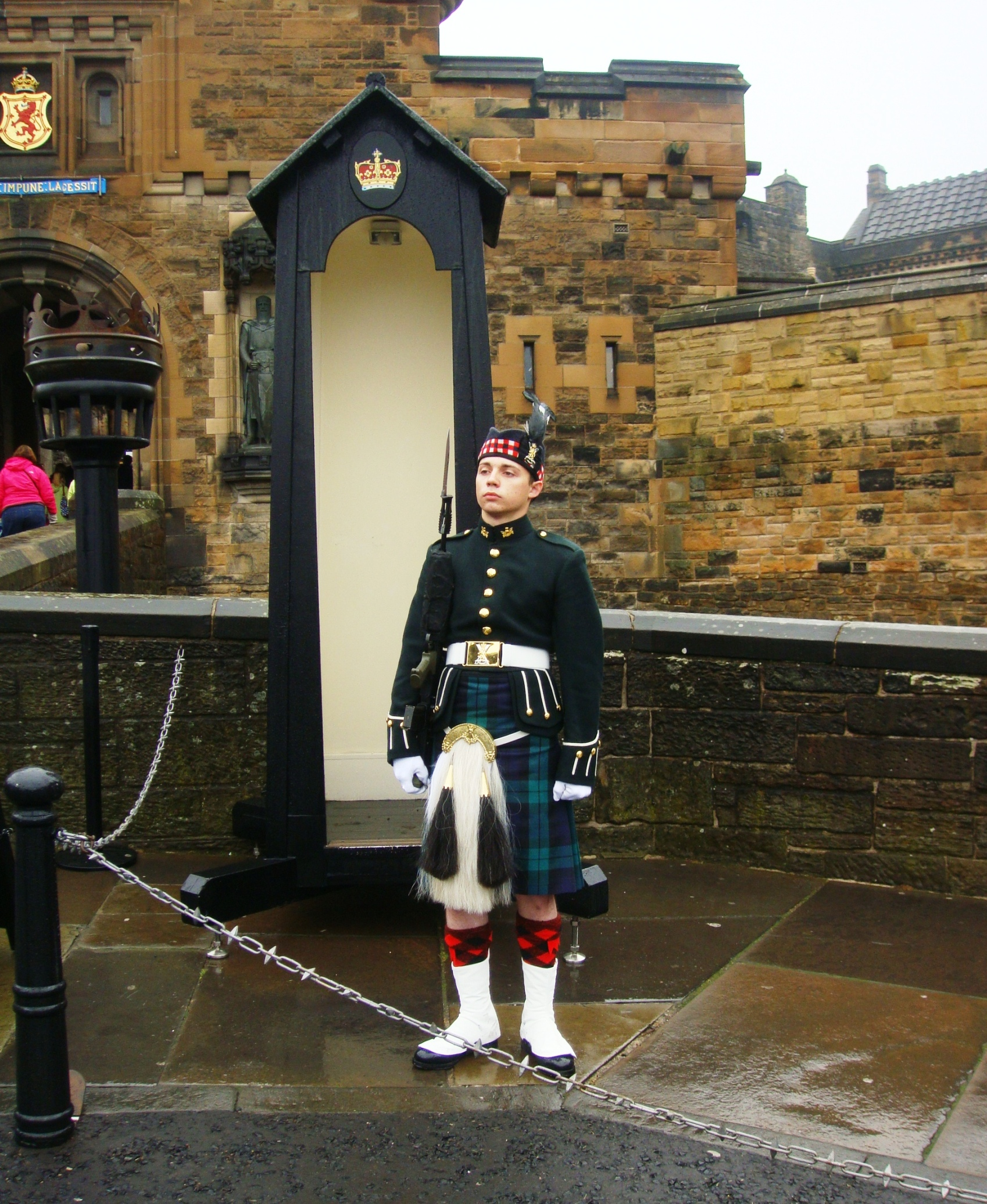 Drill Press Guard >> 6 Scots – Castle Guard – The Official British Army Blog