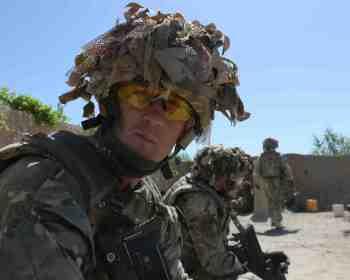 Capt Mau Gris. Sgt Barry Pope RLC (Phot)