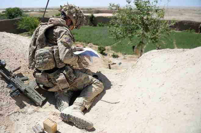 Soldiers from the 1st battalion the Irish guards on Op DAAS NAIZAH. By Sgt Barry Pope RLC (phot)