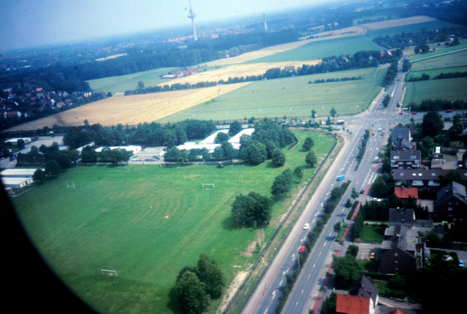 Swinton Barracks in a photo taken from an RAF Puma returning from a Recce Tp ex with 21 SAS. Note the Officers Mess building just above the football pitches