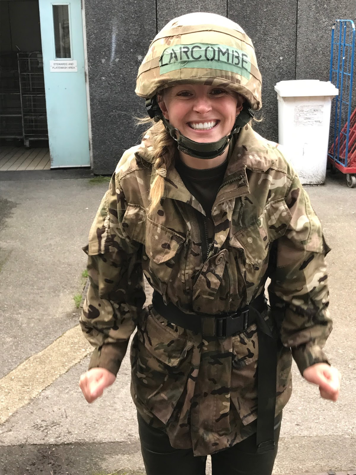 Female army uniform uk